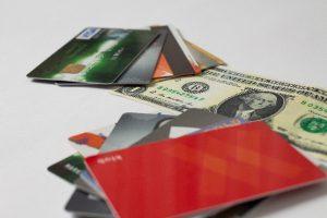 カードとドル札